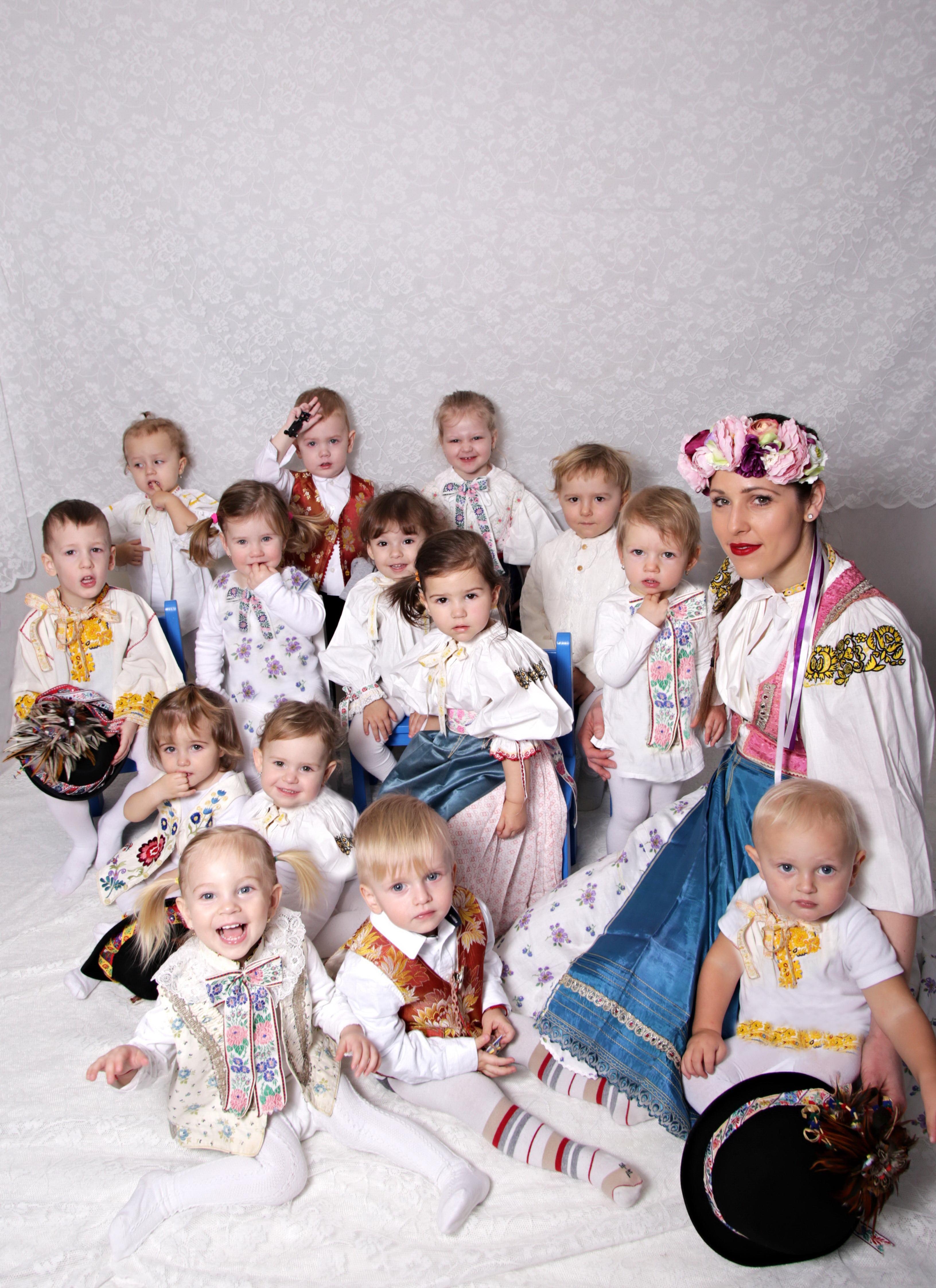 Deti v šate tradícií